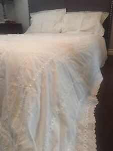 White eyelet lace duvet cover with 2 shams. Queen size