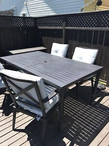 Outdoor Seating/Table Set