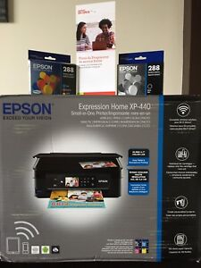 Epson Expression Home XP-440 Printer w/extra Ink Cartridges