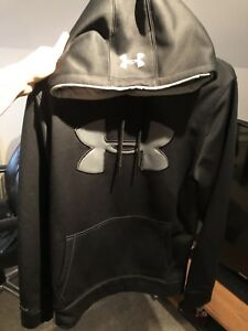 Under armour Hoodie size: Small