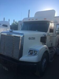 2011 Freightliner Heavy Duty Tractor For Sale