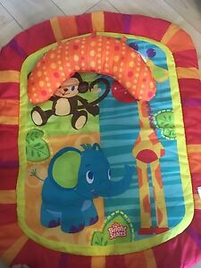 Tummy time play mat