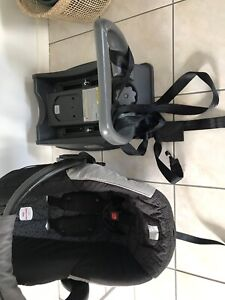 Britax Unity baby capsule and base perfect condition