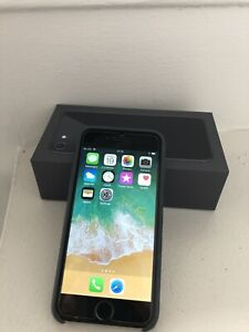 iPhone 6 16Gb Space Grey + tout le kit