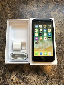 Unlocked 10/10 iPhone 8 64GB with Box, Accessories & Case