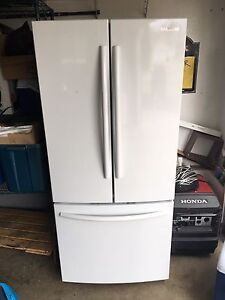 Samsung 21 cu ft French door fridge $1000 compare at $1600 new