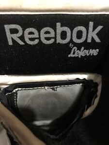 SET OF FULL RIGHT REEBOK LEFEVRE GOALIEGLOVES