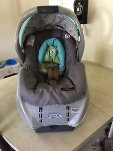 Winnie The Pooh CarSeat