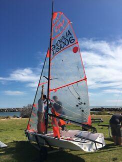 29er sailing youth skiff dinghy