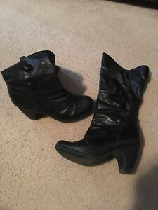 Woman's size 7 boot