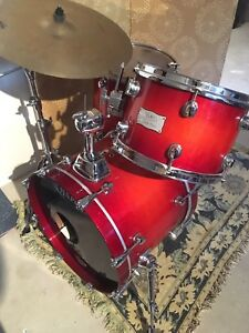 Mapex Saturn IV  with matching snare