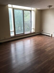ALL INCLUSIVE 2 BEDROOM APT AVAILABLE OCTOBER 1ST