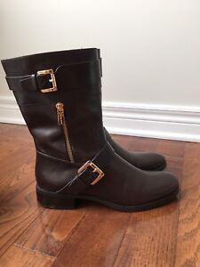 Michael Kors Brown boots, size 9