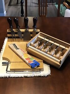 Ensemble planche et couteaux à fromage