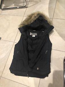 Women's colour is xco vest with faux fur black