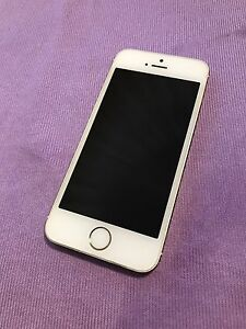 iPhone 5s 32gb Locked with Sasktel $250