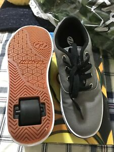 Selling Heelys skate and shoes