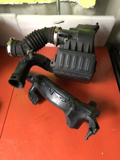Nissan Cube Z11 Complete Airbox with Mass air flow / meter Craigieburn Hume Area Preview