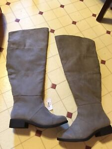 Size 5w high boots