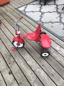Radio Flyer Deluxe 4 in 1 Tricycle