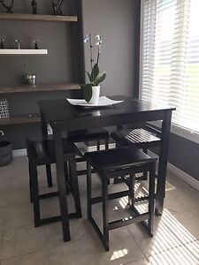Lovely dining room table for sale