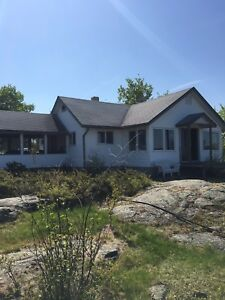 Whiteshell, Brereton Lakefront  Cottage for Rent