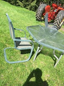 Outdoor Patio Set (metal)