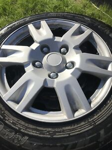 Pneu yokohama 225 65 r16 on rim excellente condition