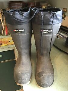 Baffin rubber insulated steel toe boots size 8