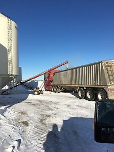 Dakota Aluminum trip axle Grain trailer