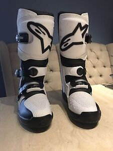 Ladies alpinestar moto x boots NEW US7 Hamersley Stirling Area Preview