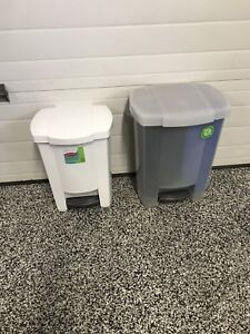 Garbage/ recycle containers