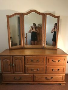 HALF PRICE - was $1000: Solid wood bedroom set