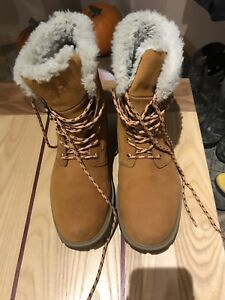 Brand new Helly Hansen boots size 9.5