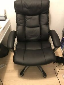 Staples Comfy Office/Computer Chair