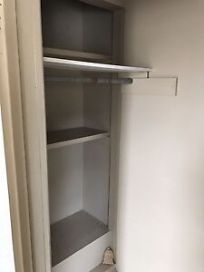 Spacious Bachelor/1 bdroom near school and DT Available Now