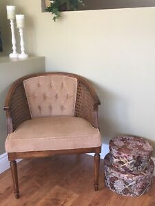 Accent Chair - Excellent Condition