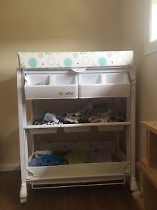Baby changing table with bath tub! Hawthorne Brisbane South East Preview
