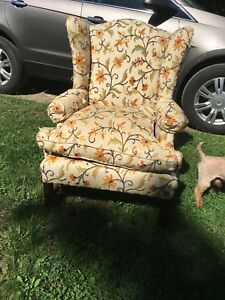 Free chair in ft Erie