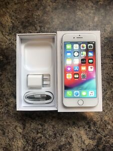 Unlocked 10/10 Condition iPhone 8 64GB with Box & Accessories