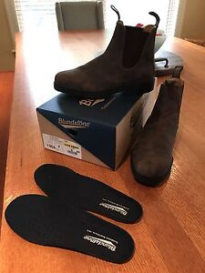 Brand new Blundstone Chisel Toe Boots Size 8 US