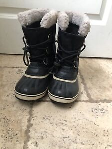 Sorel Boots Youth size 4