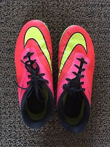 Indoor soccer shoes (size 5 youth)