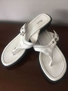 Bass White Leather Ladies' Sandals - NEVER WORN Size 9