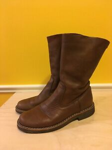 EUC Ladies ROOTS Roll Down Tribe Boots 6.5