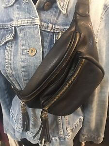 Hibou leather fanny pack