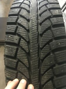 4 Mounted Winter Tires/4 Pneus d'hiver monté