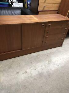 Console en bois de teck avec 2 étagères