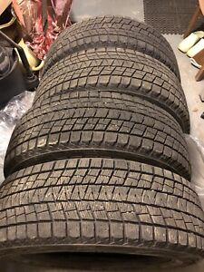 4 pneus d'hiver seulement 160$
