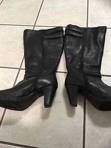 Ladies size 9 wide calf boots
